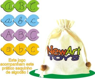Conhecendo as Letras do Alfabeto - Quebra Cabeça em Madeira com as Letras do Alfabeto para Criar Palavras - 104 Peças - New Art Toys