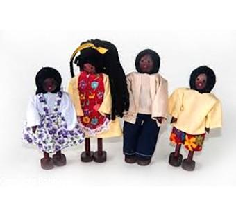 Kit Familia Negra com 4 bonecos de madeira - BOHNEY